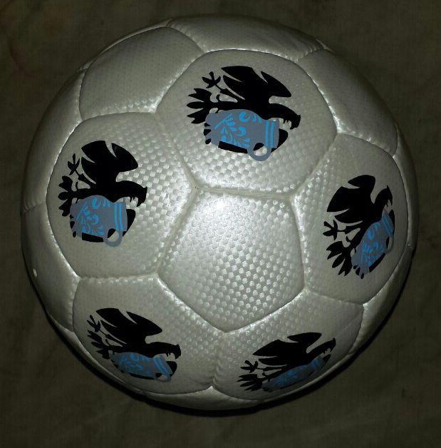 Bembel Adler Fußball für die Adler Fans.